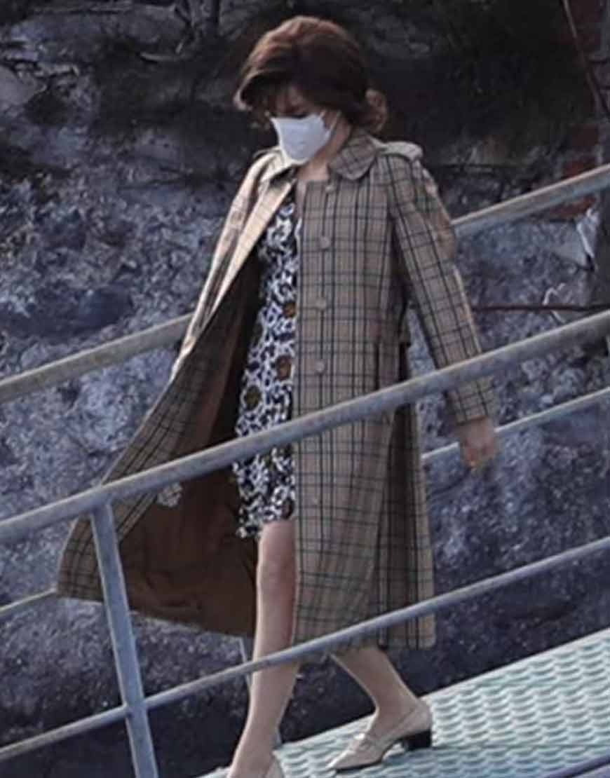 House-of-Gucci-2021-Lady-Gaga-Trench-Coat