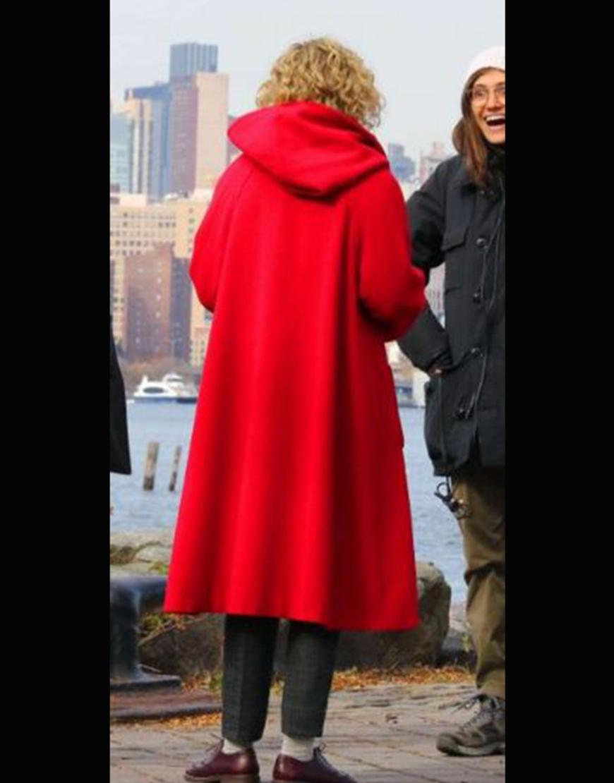Modern Love S02 Julia Garner Coat