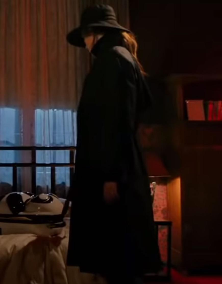 Sam Gunpowder Milkshake (2021) Karen Gillan Black Coat