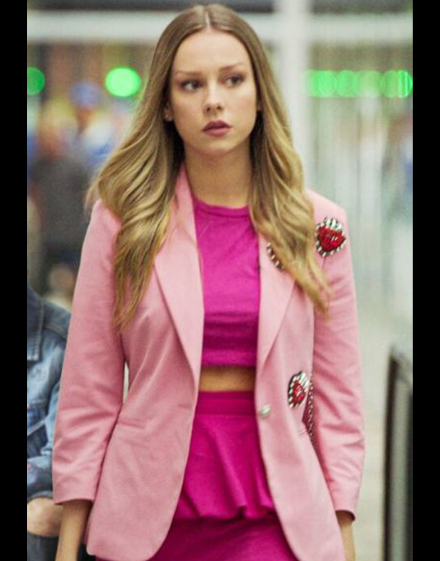TV-Series Elite Short Stories 2021 Carla Roson Pink Coat