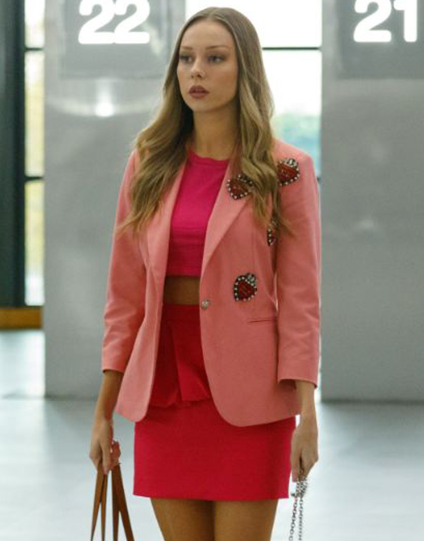 TV-Series Elite Short Stories Carla Roson Pink Coat