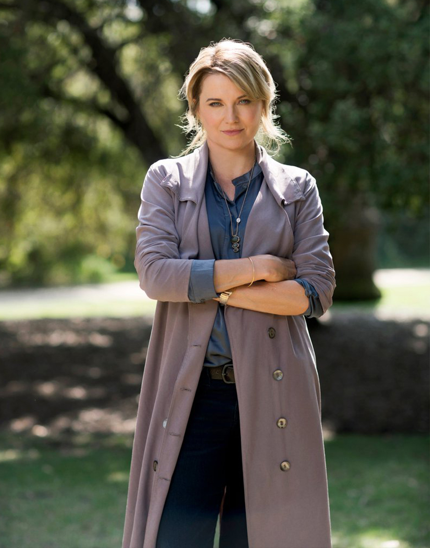 Alexa Crowe TV-Series My Life Is Murder S02 Lucy Lawless Trench Coat