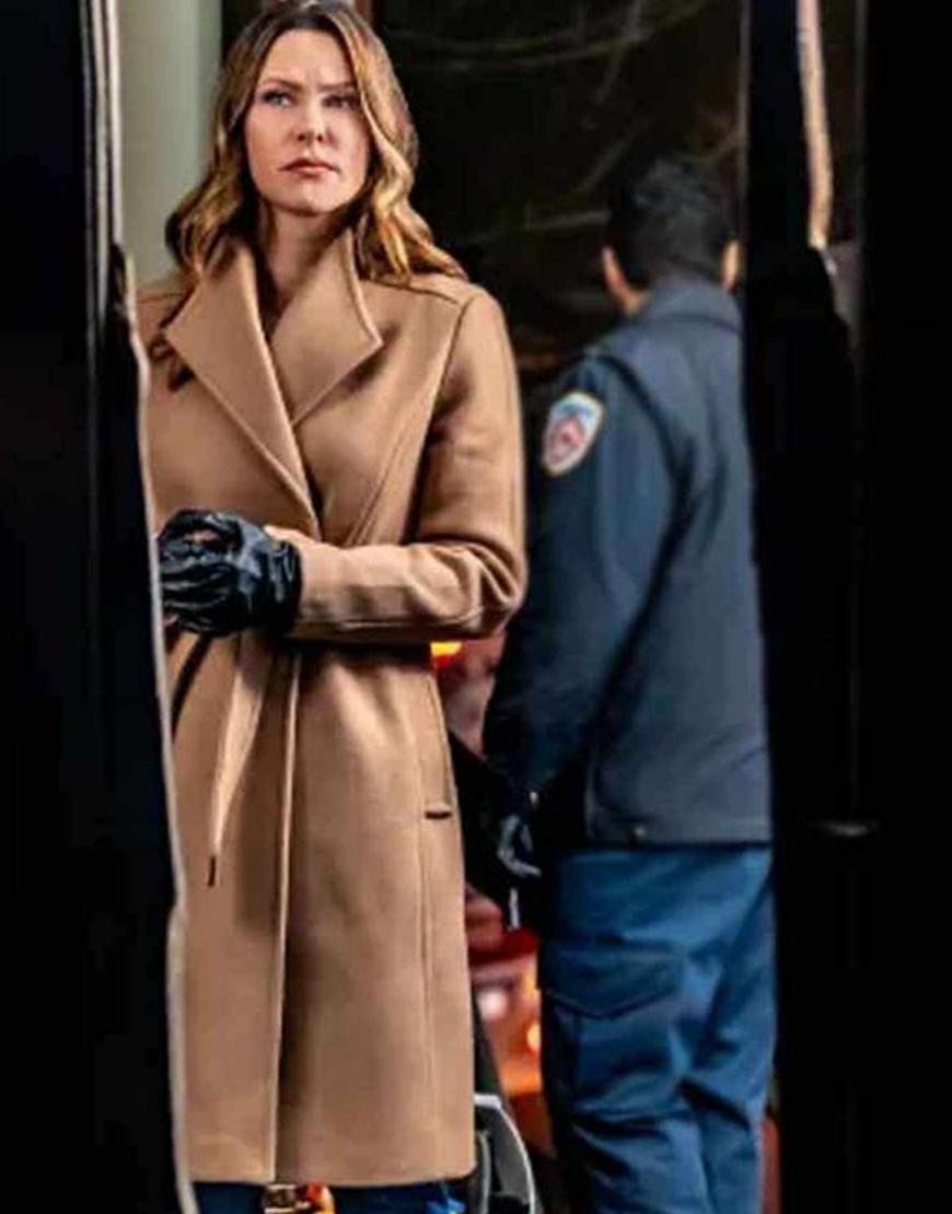 Mystery 101 Killer Timing 2021 Jill Wagner Coat