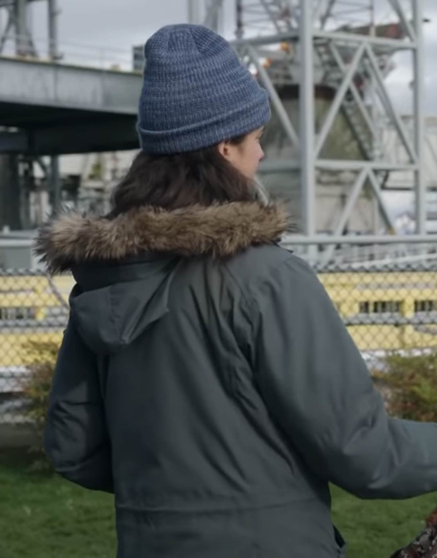 Alex Maid 2021 Margaret Qualley Fur Hooded Jacket